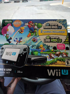 Mint Deluxe 32GB Wii U with Pro controller and games