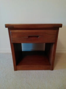 Crate Designs Solid Wood End/Night Table - Like-New!