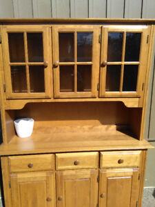 Hutch Cabinet - Maple