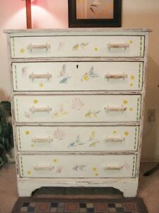 Solid Wood 5 Drawer Dresser ** DELIVERY Avail**