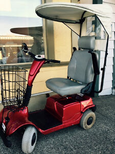 Scooter Fortress 2000 RED W Canopy