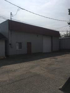 ***À SAISIR***Local commercial et industriel ou entrepôt