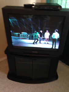 Panasonic t.v with revolving stand