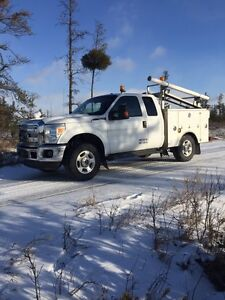 2011 Ford Superduty Service Truck f350 6.2 L