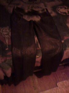Men's XL. Black leather riding chaps