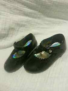 Toddler shoes size 4 London Ontario image 1