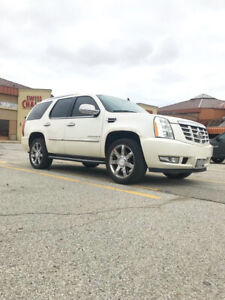 """2007 Cadillac Escalade White on Beige, Fully Loaded with 22"""" Ri"""