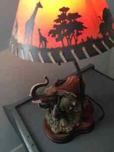 Beautiful Table Lamp 20 inches high and 12 inches wide London Ontario image 8