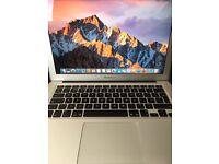 MacBook Air (13-inch, Early 2015) Processor: Core i5 1.6GHz RAM: 4GB SSD: 128GB