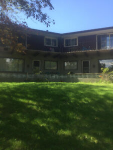 *Available MAY 1st* 2 bed, Top floor of 4plex-Castlegar
