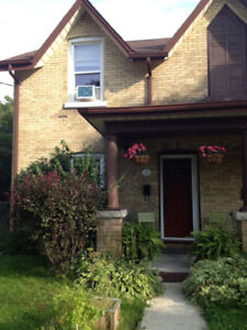 Updated downtown, 2 bed, 1.5 bath, Semi-detached home for rent