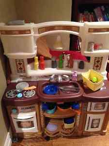 Kitchen Buy Or Sell Toys Games In Moncton Kijiji Classifieds