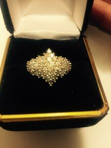 Stunning Diamond Ring For Sale