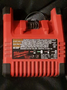 Milwaukee 18v lithium ion charger