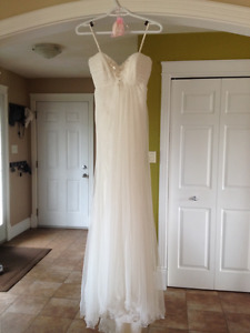 Down-south style lace wedding dress