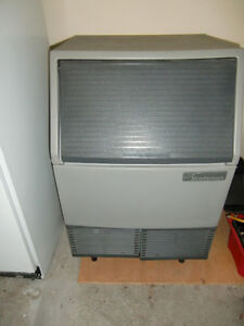 FOR SALE--- ICE MACHINE