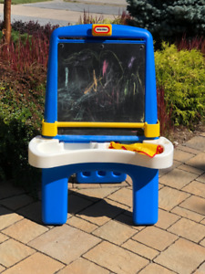 Kids chalk board and Paint Easel