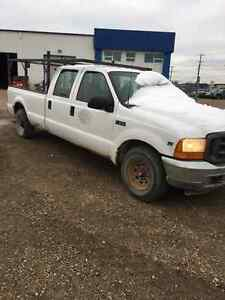 2001 Ford 2500 Pickup Truck