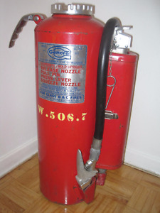 1971 General Fire Extinguisher