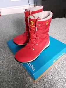 Like new Columbia boots size 7 women  London Ontario image 2