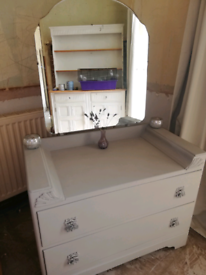 Vintage dressing table /chest of drawers