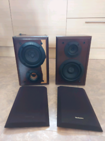 Pair of TECHNICS speakers