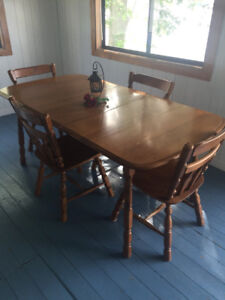 Wood Table with extra Leaf and 4 chairs