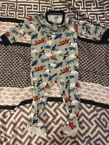 $3 - 12 month sleeper - coming from a pet and smoke free home