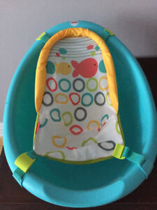 Fisher Price Baby Bathtub for sale!