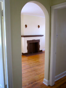 Cheerful One Bedroom in Heritage Building. 17th Ave SW. Sept. 1