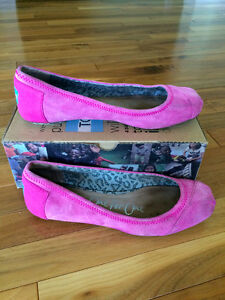 Tom's pink ballet shoes size 7.5
