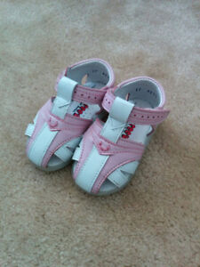 Brand New Girls' Sandals - size 6-9 months