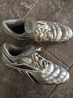 Men's size 11 soccer cleats