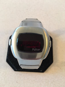 WANTED!!  DIGITAL PULSAR LED / LCD WATCHES FROM 1970's / 1980's