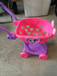 Minnie Mouse Shopping Cart