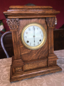 Quarter Sawn Oak Encased Mantle Clock (c.1900-1920)
