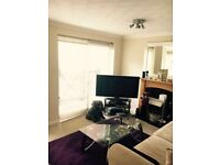 Large double bedroom in quayside house!