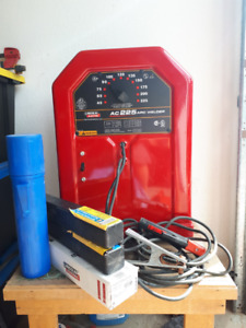 Lincoln AC225 Arc Welder used less than 30 minutes