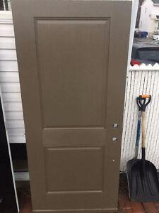 Porte exterieur 34 pouces brune pgi neuve