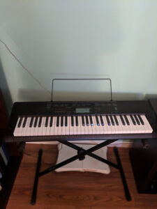 Casio keyboard with stand and adaptor