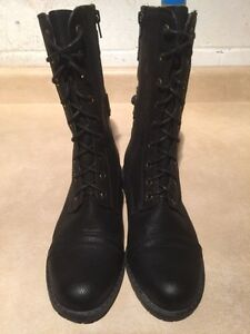 Women's Tall Black Boots Size 7 London Ontario image 4