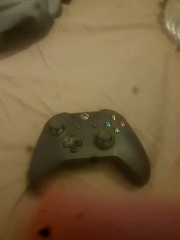 Xbox One controller   in Netley Abbey, Hampshire   Gumtree