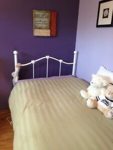 Twin bed, mattress & box spring