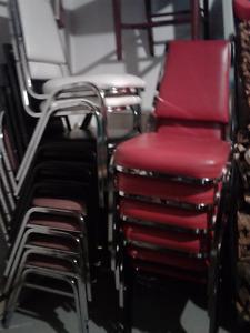 Lot de chaises (16)