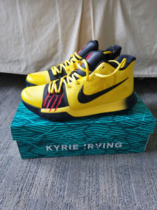 KYRIE 3 MAMBA MENTALITY - SIZE 8.5 - DS