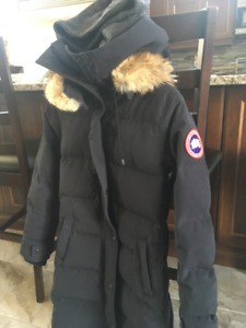 XXS Canada Goose Parka with hat... Perfect condition!