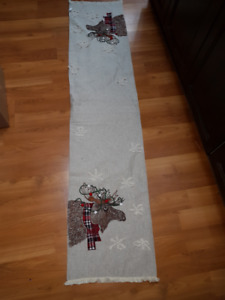 Moose Table Runner - 72 x 16 Inches - NEW