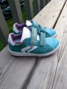 Geox Girl's Shoes Size 8.5