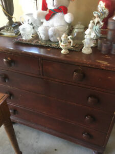 Antique 5 drawer dresser