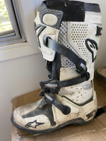 Motorcycle dirt bike boots
